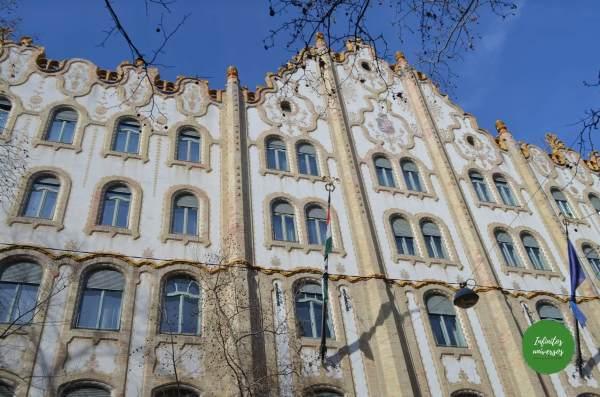 Antigua Caja Postal de Ahorros de Budapest  - Qué ver en Budapest