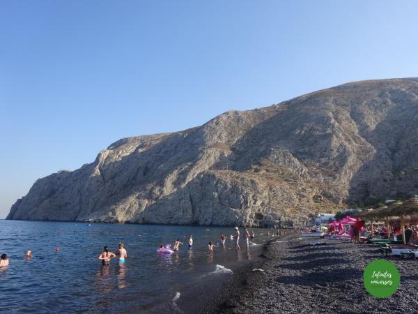 Playa negra de Kamari