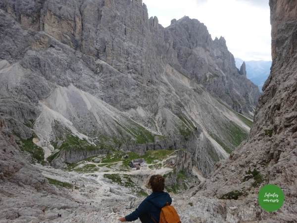 Camino descenso desde el refugio Rey Alberto I torres vajolet