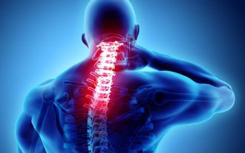 頸椎椎間板ヘルニアの原因と対処方法