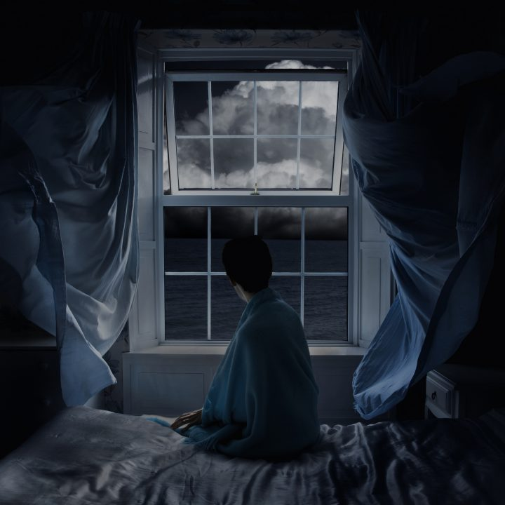 5 signs that a paranormal entity is trying to contact you.