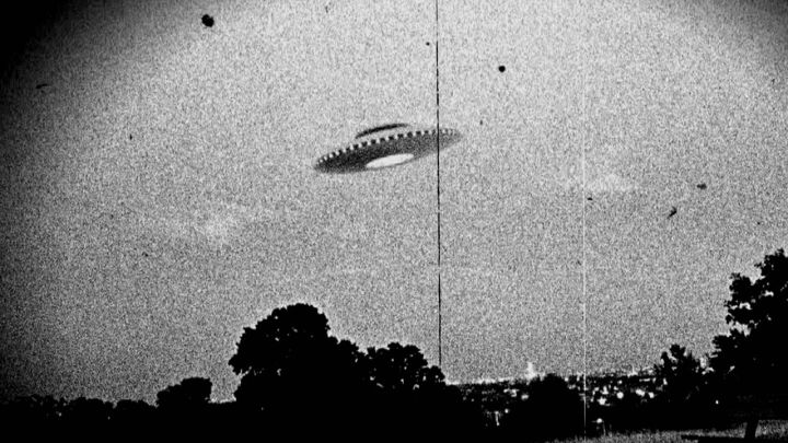 USA has clear photos of UFOs pursued by military pilots, says renowned researcher