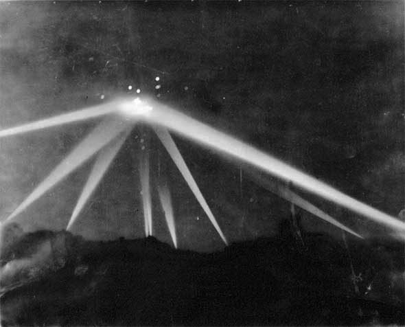 The Battle of Los Angeles : Most Credible UFO Case Ever