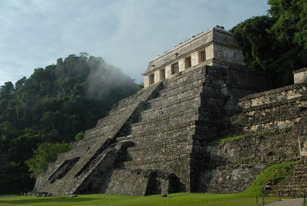 antichi maya
