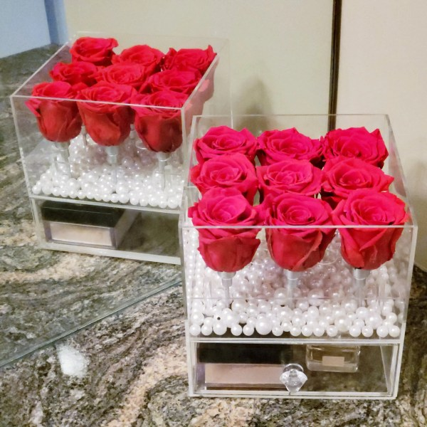9 real red roses