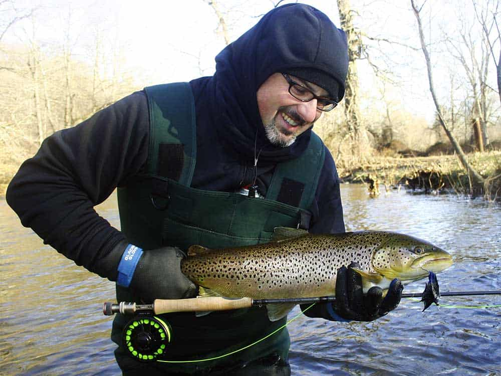 Types of fishing gloves that you can use in other weather