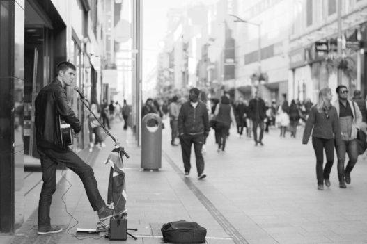 street performer 690477 1920