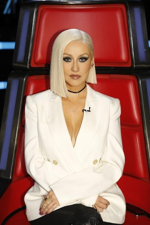 2019 Latest Christina Aguilera Shoulder Length Bob Hairstyles