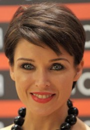 30 Low Maintenance Short Hairstyles For Medium Thick Hair