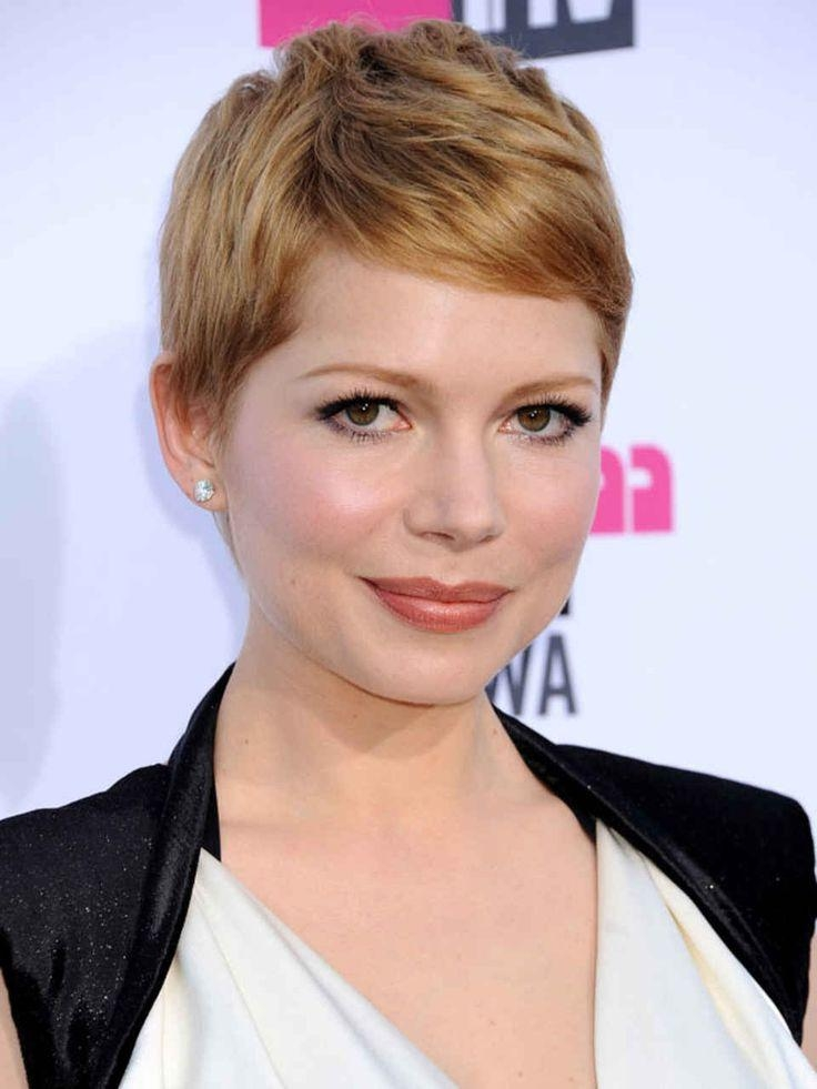 20 Photo of Short Hairstyles For Small Faces
