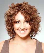 short hairstyles natural curly