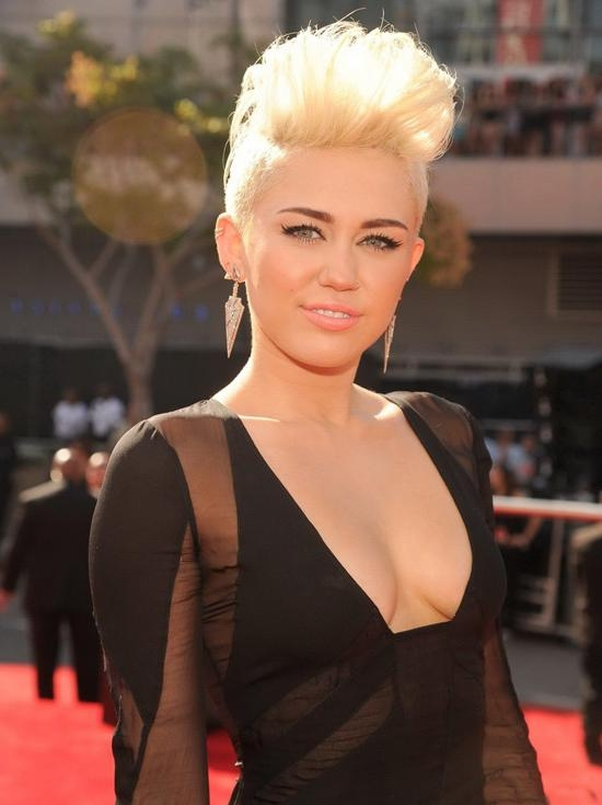 2019 Popular Short Haircuts Like Miley Cyrus
