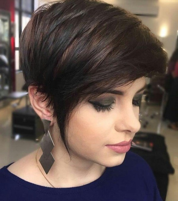 30 Brunette Pixie Hairstyles 2018 Hairstyles Ideas Walk The Falls