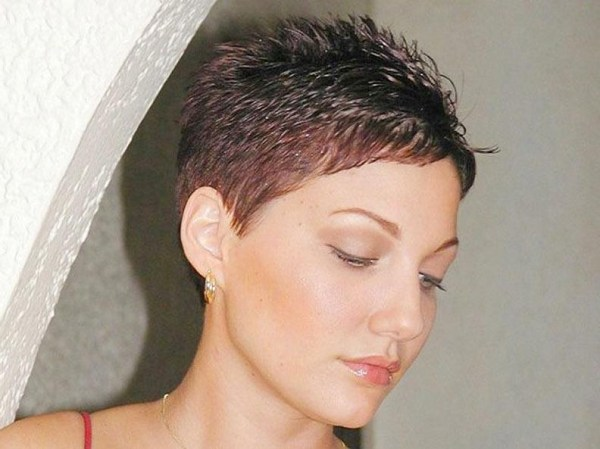 30 1970s Feathered Hairstyles Pixie Cuts Hairstyles Ideas Walk