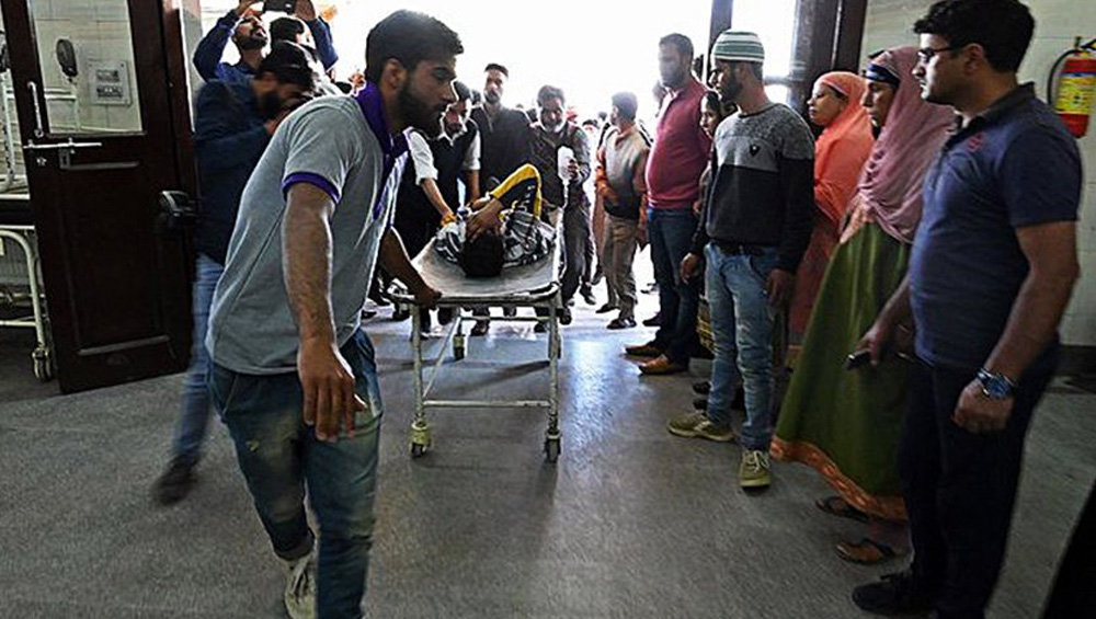 Indian forces brutally injure at least 90 in occupied Kashmir