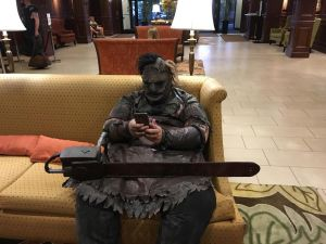 loui-leatherface-on-break