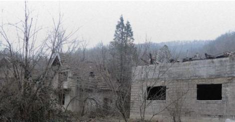 Разрушенные дома в сербских селах