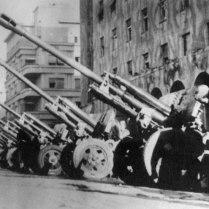 76-мм орудия ЗиС-3 4-го гвардейского мехкорпуса в Белграде после боев.