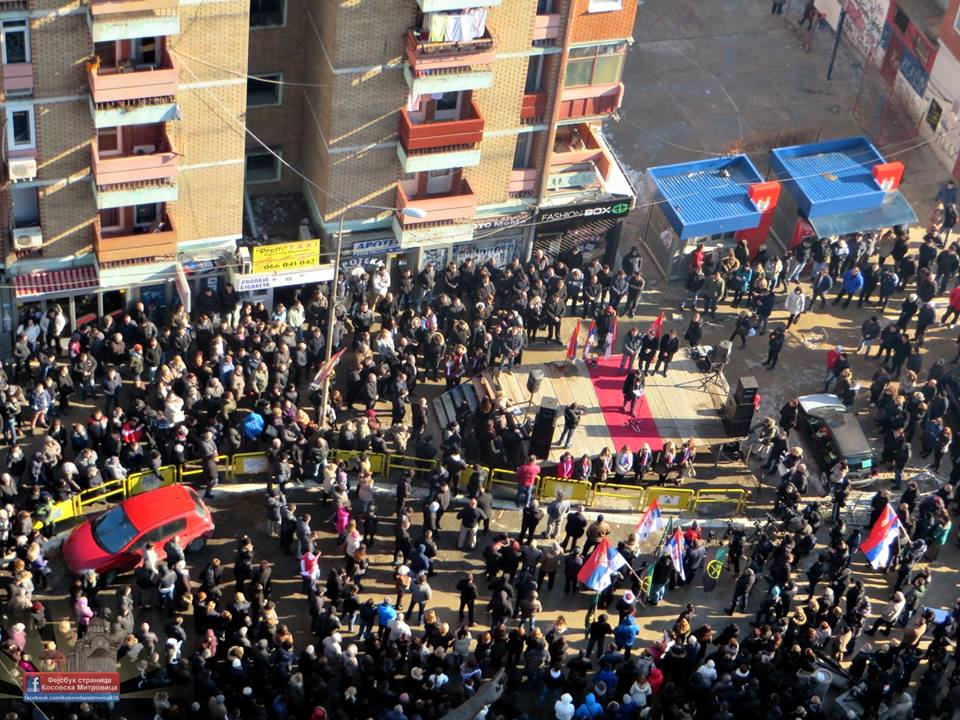 Тысячи сербов митинговали в Косово и Метохии