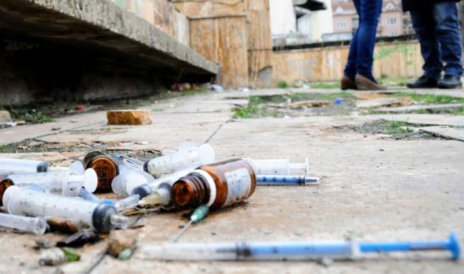 На севере Косово 14 000 наркоманов-криминал объединил сербов и албанцев