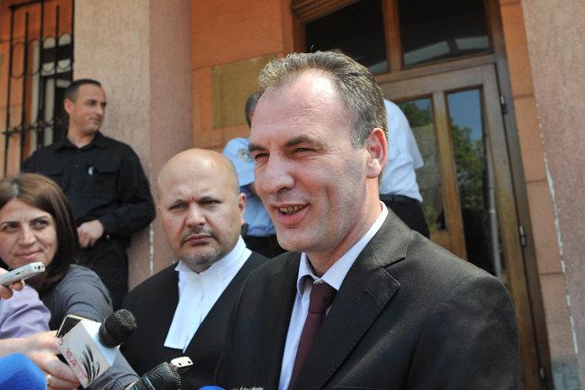Бывший албанский боевик Фатмир Лимай оправдан по делу об убийстве двух человек