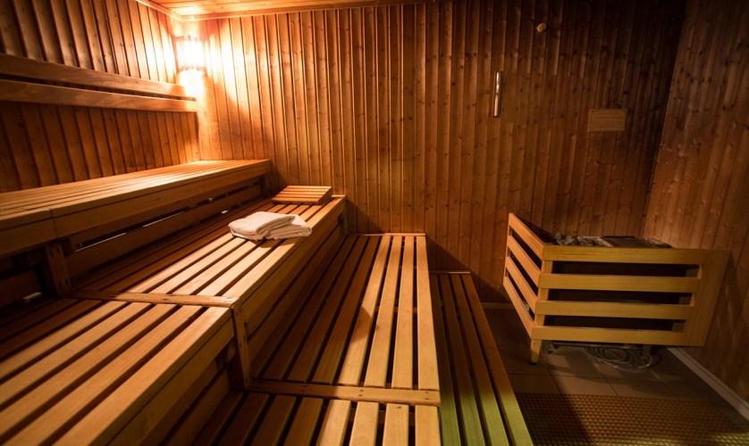 Budowa sauny domowej w ogrodzie