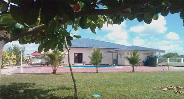 Huis-met-zwembad