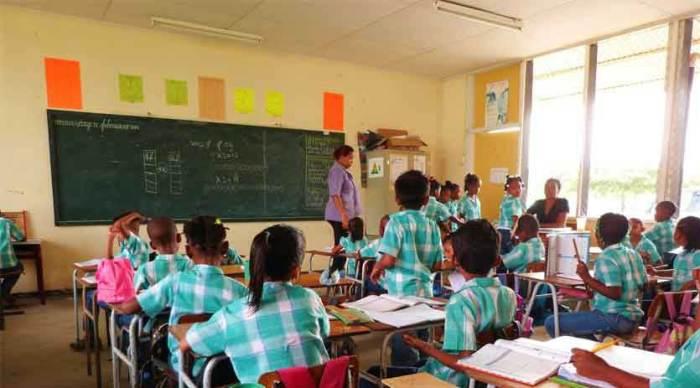 Scholen in Suriname