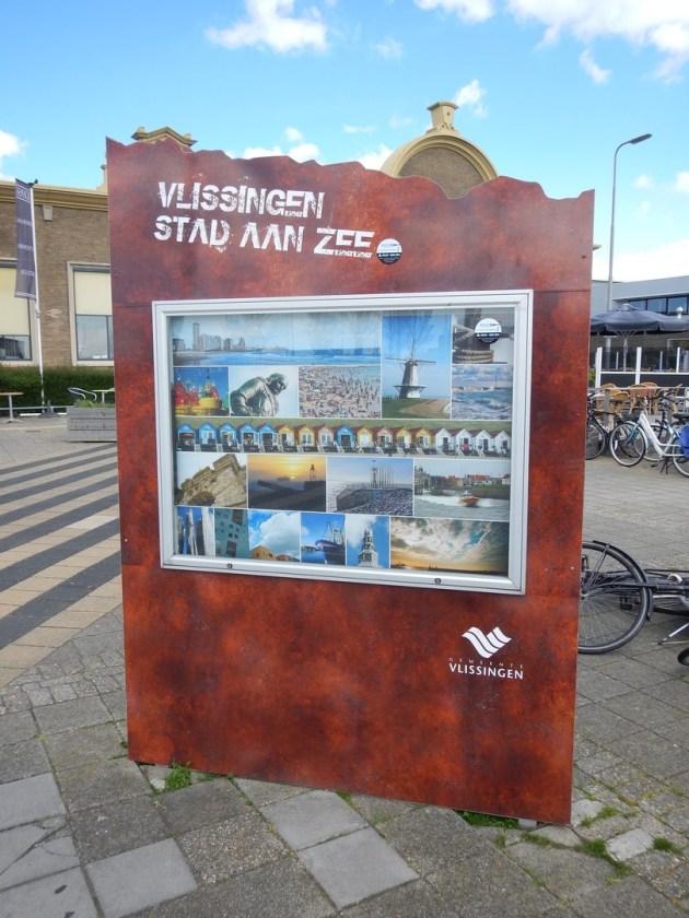 Die Vielfalt Vlissingens auf einem Plakat am Bahnhof von Vlissingen