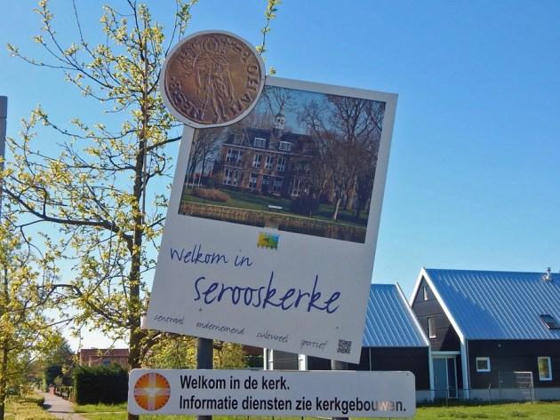 Ortseingangsschild Serooskerke