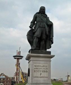 Ruyter Statue im Hafen von Vlissingen