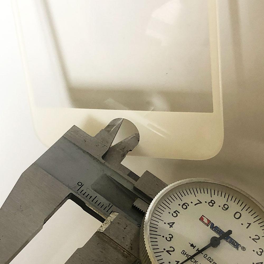 ガラスフィルムのホームボタン穴内径
