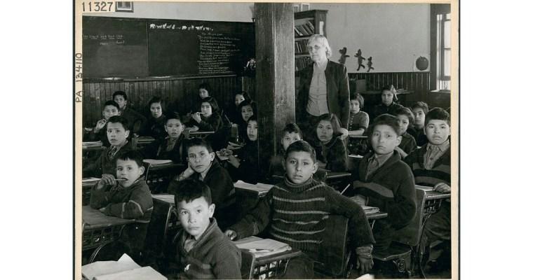 Pátrání pohrobech žáků kanadských internátních škol