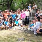 Skupinová fotografie účastníků setkání na Kněží hoře u Karlštejna.