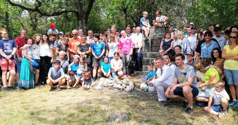 Setkání mormonů na Kněží hoře uKarlštejna: oslavy 90.výročí mormonské misie vČesku