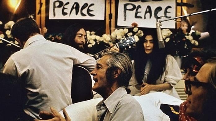 """""""Zapni se, nalaď se, stáhni se"""": před sto lety se narodil Timothy Leary"""