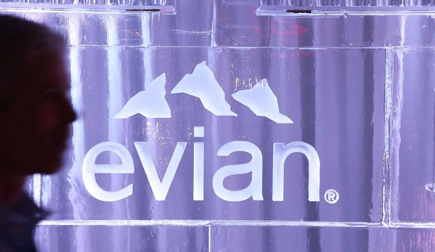 Ramadan : pourquoi un tweet d'Evian crée la polémique