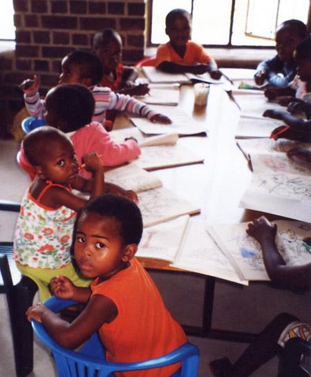 Waisenkinder in einer Kindertagesstätte, Südafrika