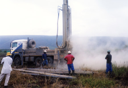 Drilling water well at Mahlabaneni (Swaziland)
