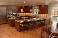 Islands and Peninsulas in the Kitchen