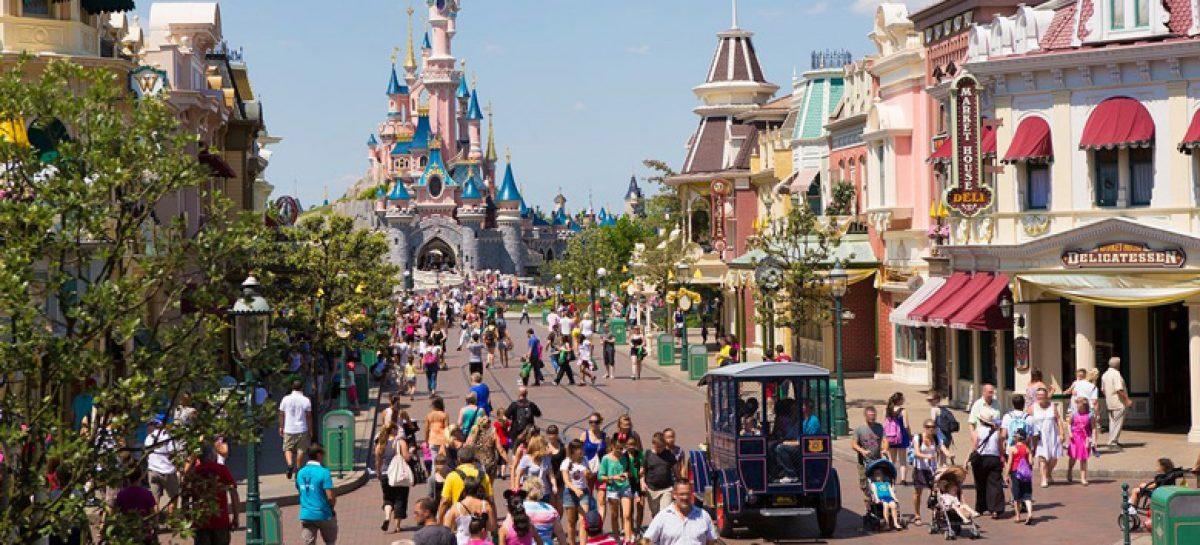 Arrivano i personaggi Marvel nel parco di Disneyland Paris ...