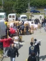 Blok 70 - Kinezi skupljaju humanitarnu pomoć