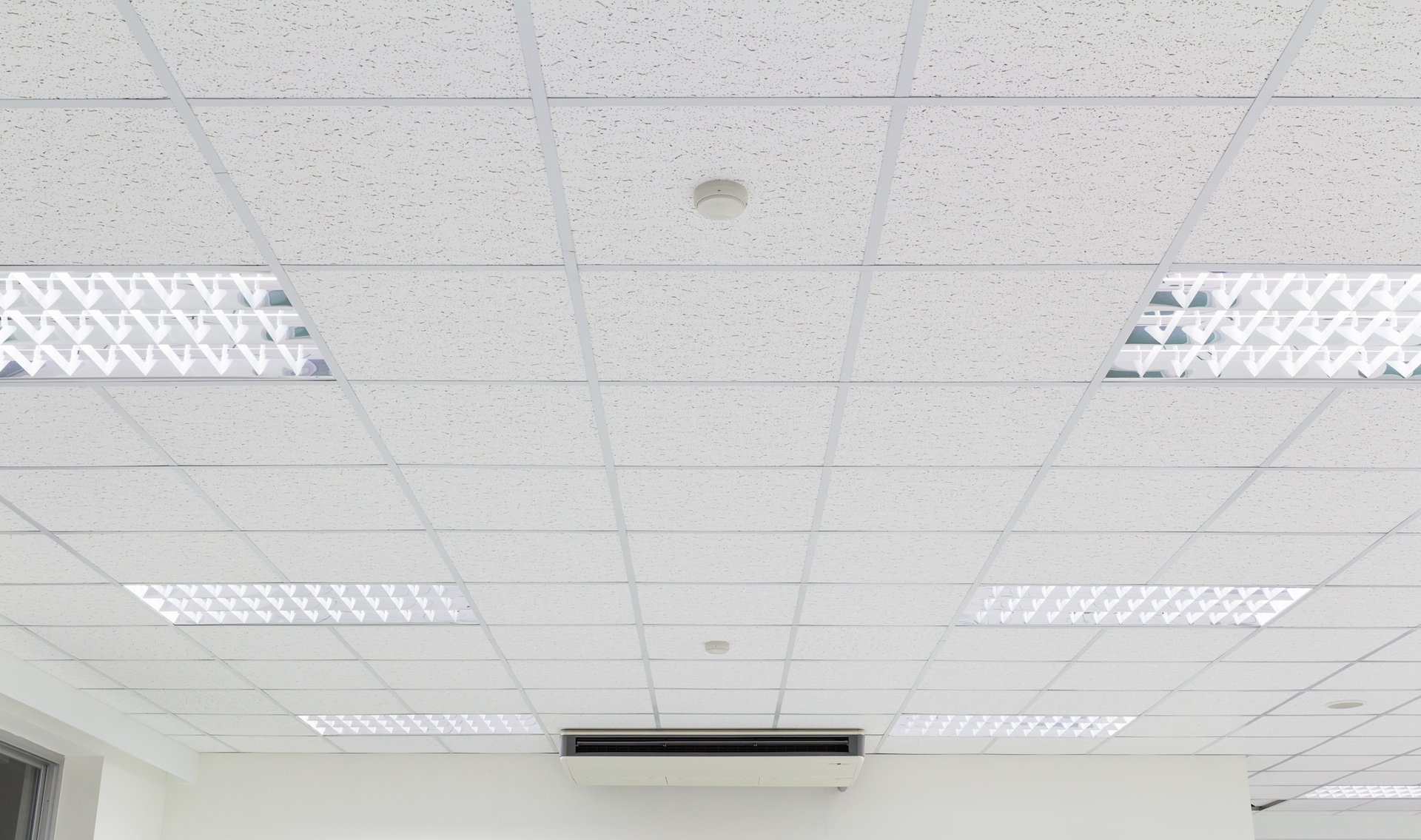 Plug And Play Led Replacement For T12 Fluorescents