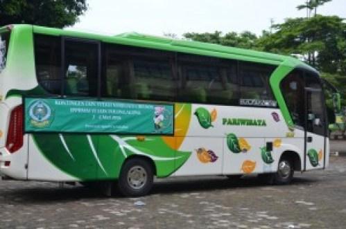 Bus yang mengangkut Duta IAIN Syekh Nurjati Cirebon dalam acara IPPBMM ke VI PTKIN se Jawa dan Madura Tahun 2016.