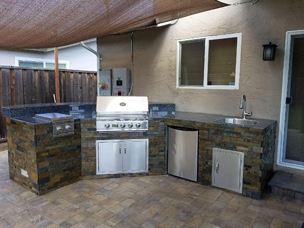 What Appliances Do I Need for My Outside Kitchen