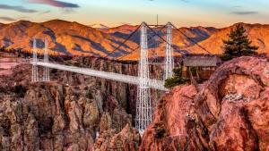 Bir Turist Merkezi: Royal Gorge Köprüsü