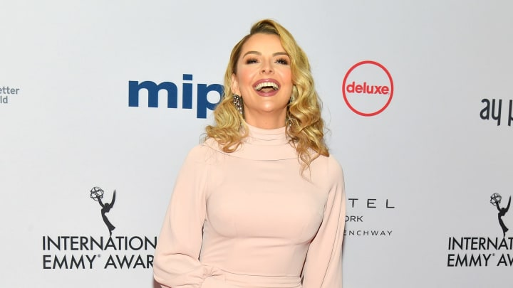 How much money does Marjorie de Sousa make in a soap opera?