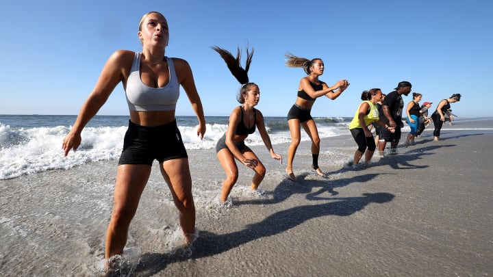 7 ideal exercises to do on a beach day