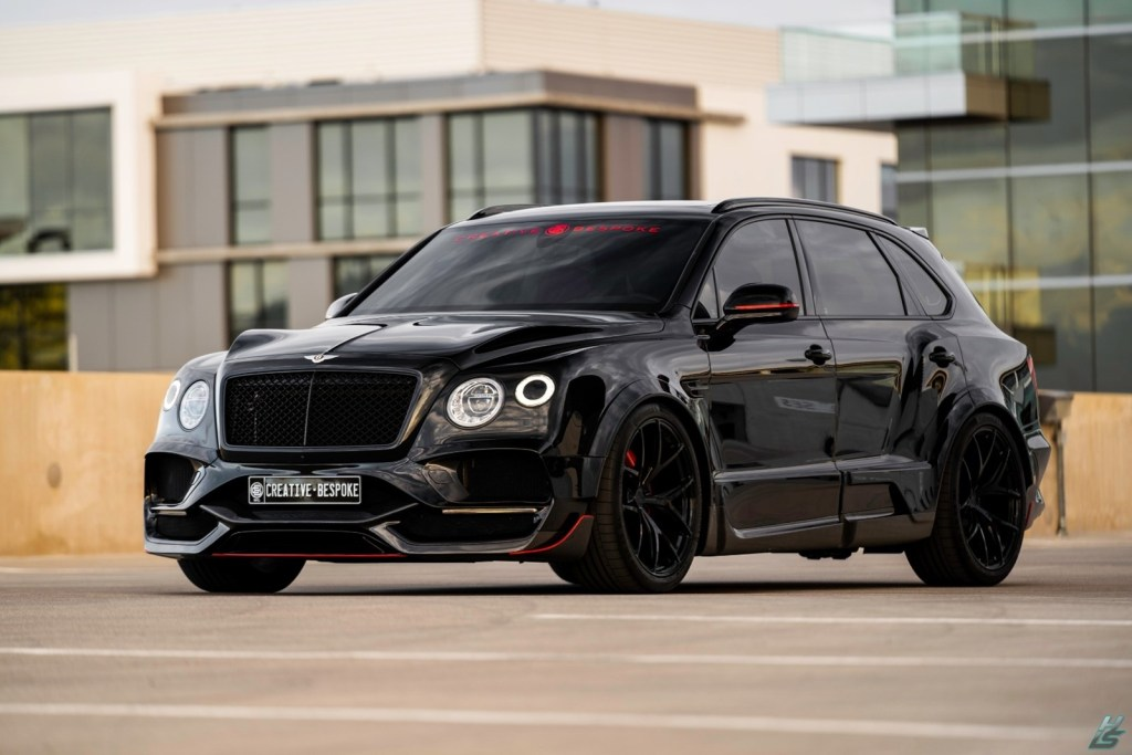If the Bentley Bentayga V8 falls short, this proposal with 700 hp will not disappoint you