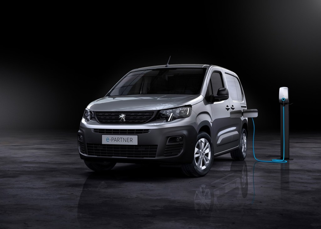 Peugeot shows us the e-PARTNER: identical to its brothers